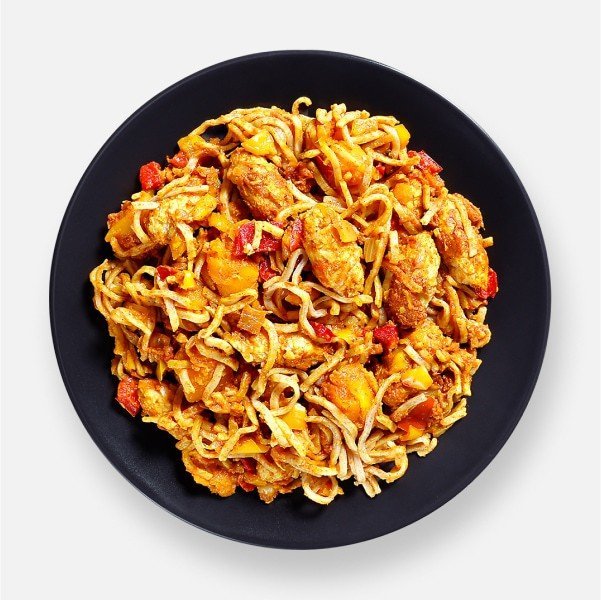 Curried Noodles with Meat-Free Chicken Pot - 314 kcal